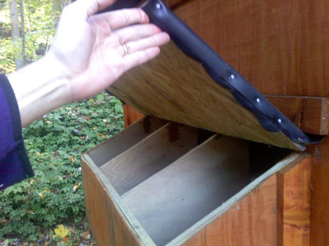 Garden Coop Modification: Egg/Nest Boxes with Accessible lid